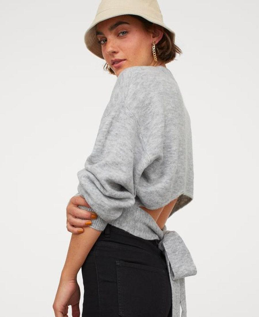 """Not sure what we want more: This bucket hat or the tie-back sweater? $30, H&M. <a href=""""https://www2.hm.com/en_us/productpage.0930058001.html"""" rel=""""nofollow noopener"""" target=""""_blank"""" data-ylk=""""slk:Get it now!"""" class=""""link rapid-noclick-resp"""">Get it now!</a>"""