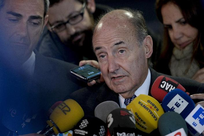 Lawyer Miquel Roca, representing Spain's Princess Cristina, holds a press conference on December 22, 2014 in Barcelona (AFP Photo/Josep Lago)