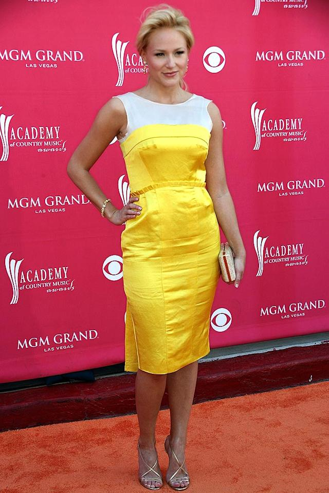 """Jewel certainly brightened up the red carpet in her bold yellow dress, but the wrinkly satin fabric didn't make for the prettiest picture. Frederick M. Brown/<a href=""""http://www.gettyimages.com/"""" target=""""new"""">GettyImages.com</a> - May 18, 2008"""