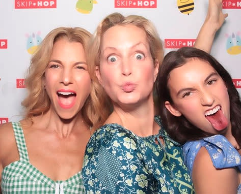 Between graduating and going to prom the mum and daughter had time to pull some funny faces at a charity event. Photo: Instagram/jessseinfeld