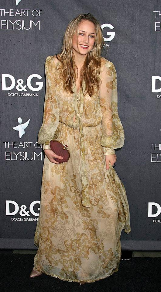"Boho chic is totally hot; Leelee Sobieski's granny curtain-inspired frock is not! Russ Einhorn/<a href=""http://www.splashnewsonline.com"" target=""new"">Splash News</a> - December 15, 2008"