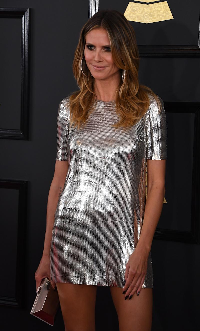 Heidi Klum arrives for the 59th Grammy Awards on February 12, 2017, in Los Angeles, California. / AFP / Mark RALSTON (Photo credit should read MARK RALSTON/AFP/Getty Images)