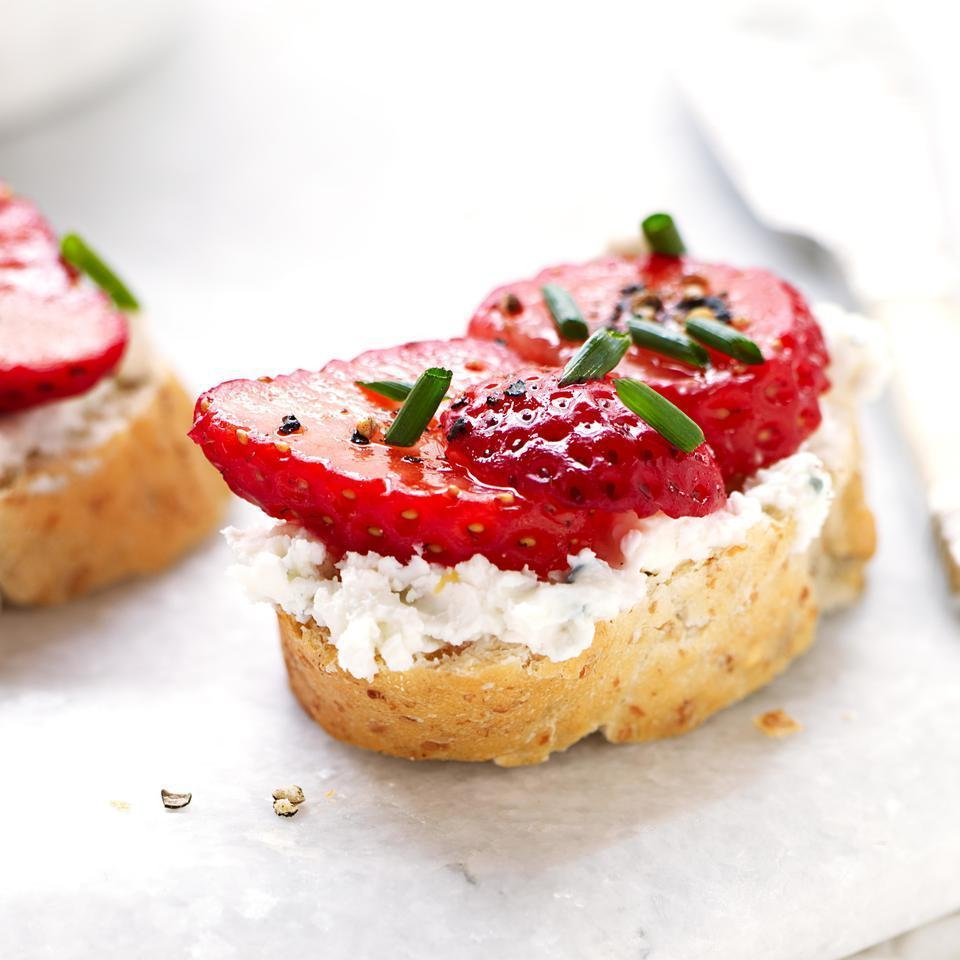 <p>In this healthy bruschetta recipe, the big, bold, salty, tangy flavor of blue cheese makes an unexpected but utterly delicious match with sweet juicy strawberries. This bruschetta recipe makes a quick, easy appetizer and is so pretty topped with chopped green chives.</p>