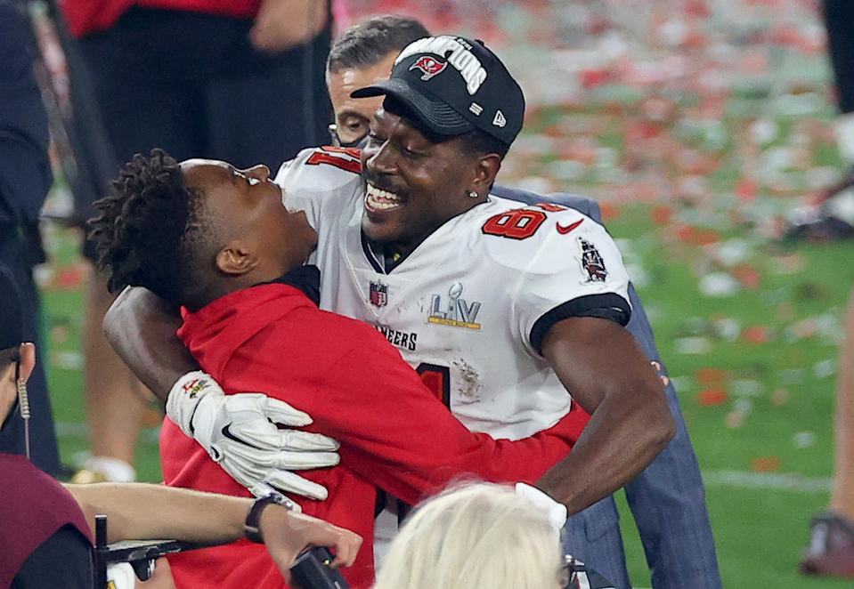 Antonio Brown #81 of the Tampa Bay Buccaneers celebrates winning Super Bowl LV at Raymond James Stadium on February 07, 2021 in Tampa, Florida. (Photo by Kevin C. Cox/Getty Images)