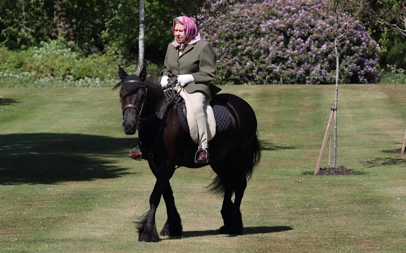 queen horse riding - WPA Pool/Getty Images Europe