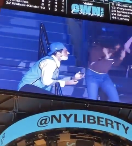 A fan's proposal is rejected during a New York Liberty WNBA game on Friday, 17 September, 2021. (Twitter screen grab of user @416KLOW video)