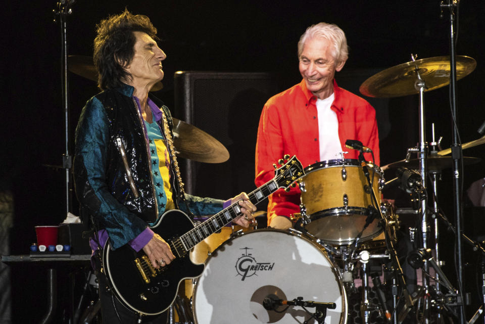 **FILE PHOTO** Charlie Watts Has Passed Away . SANTA CLARA, CALIFORNIA - AUGUST 18: Ronnie Wood and Charlie Watts of The Rolling Stones perform at Levi's Stadium on August 18, 2019 in Santa Clara, California. Photo: Chris Tuite/imageSPACE/MediaPunch /IPX
