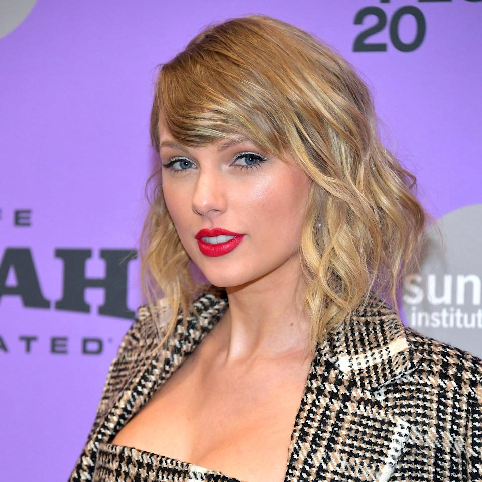 """<p><a class=""""link rapid-noclick-resp"""" href=""""https://www.popsugar.com/Taylor-Swift"""" rel=""""nofollow noopener"""" target=""""_blank"""" data-ylk=""""slk:Taylor Swift"""">Taylor Swift</a> has alternated for years between a bob and longer cuts, but she looked amazing with this wavy style at the 2020 Sundance Film Festival.</p>"""