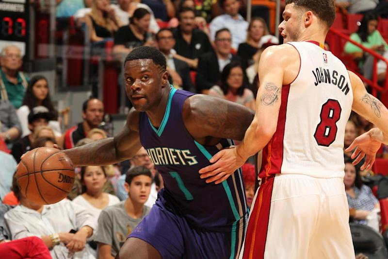 Hornets trade Stephenson to Clippers for Hawes, Barnes