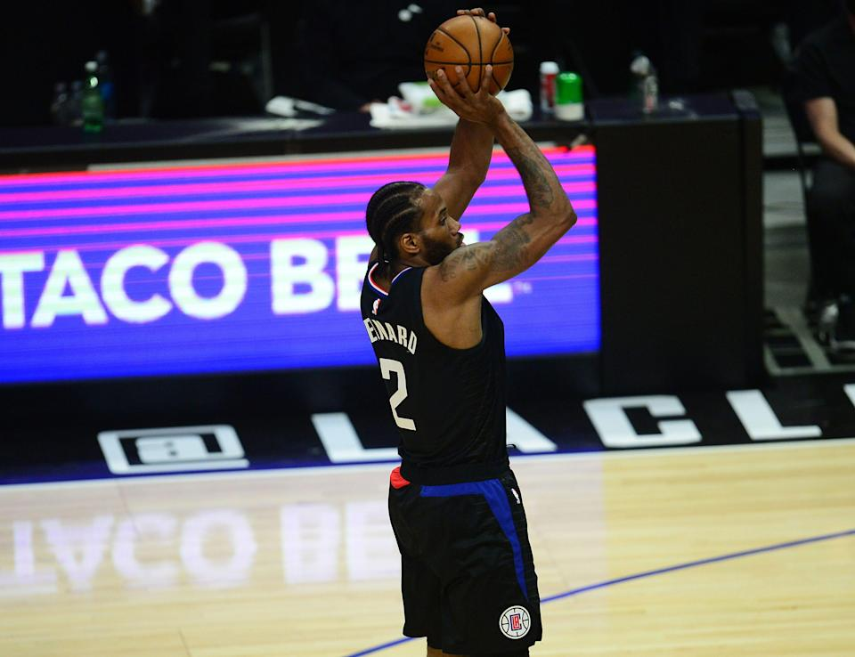 Los Angeles Clippers forward Kawhi Leonard shoots against the Utah Jazz in Game 4 of the second round.
