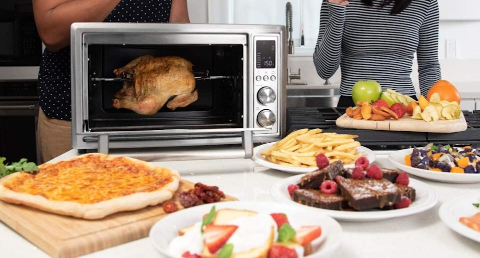 Cosori 12-in1- Air Fryer and Toaster Oven - Amazon