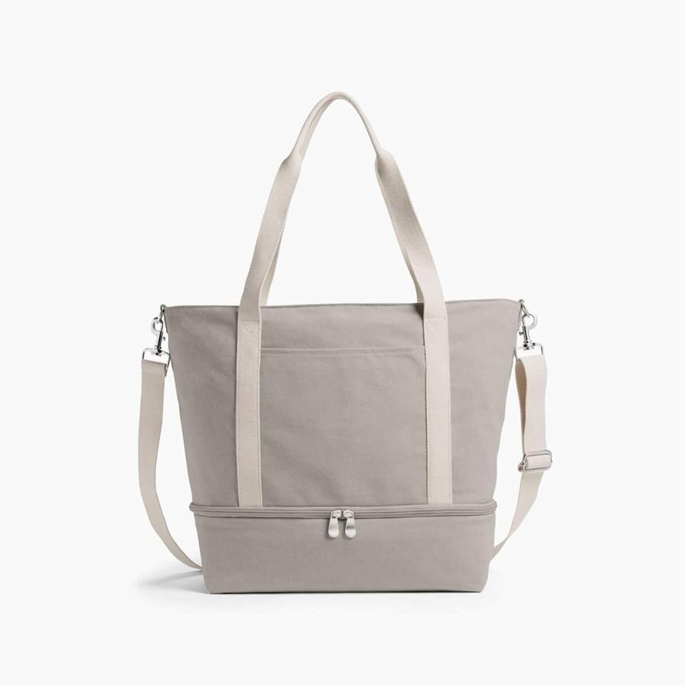 """<h2>Lo & Sons Catalina Deluxe Tote</h2><br>This sustainable weekender bag is an R29 reader bestseller for a reason — its innovative AND chic design comes with adjustable compartments, a bottom pocket, and suitcase handle sleeves to take away any excess carry-on travel stress. <br><br><em>Shop</em> <strong><em><a href=""""http://loandsons.com"""" rel=""""nofollow noopener"""" target=""""_blank"""" data-ylk=""""slk:Lo & Sons"""" class=""""link rapid-noclick-resp"""">Lo & Sons</a></em></strong><br><br><strong>Lo & Sons</strong> The Catalina Deluxe Tote, $, available at <a href=""""https://go.skimresources.com/?id=30283X879131&url=https%3A%2F%2Fwww.loandsons.com%2Fproducts%2Fcatalina-deluxe-tote-washed-canvas-dove-grey"""" rel=""""nofollow noopener"""" target=""""_blank"""" data-ylk=""""slk:Lo & Sons"""" class=""""link rapid-noclick-resp"""">Lo & Sons</a>"""