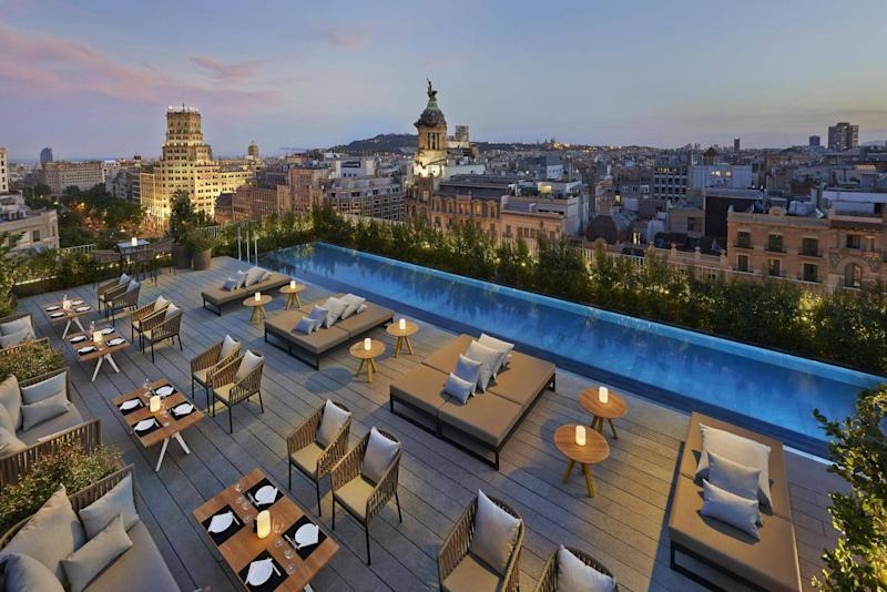 Enjoy incredible views of the city from the rooftop of the Mandarin Oriental (Mandarin Oriental Barcelona)