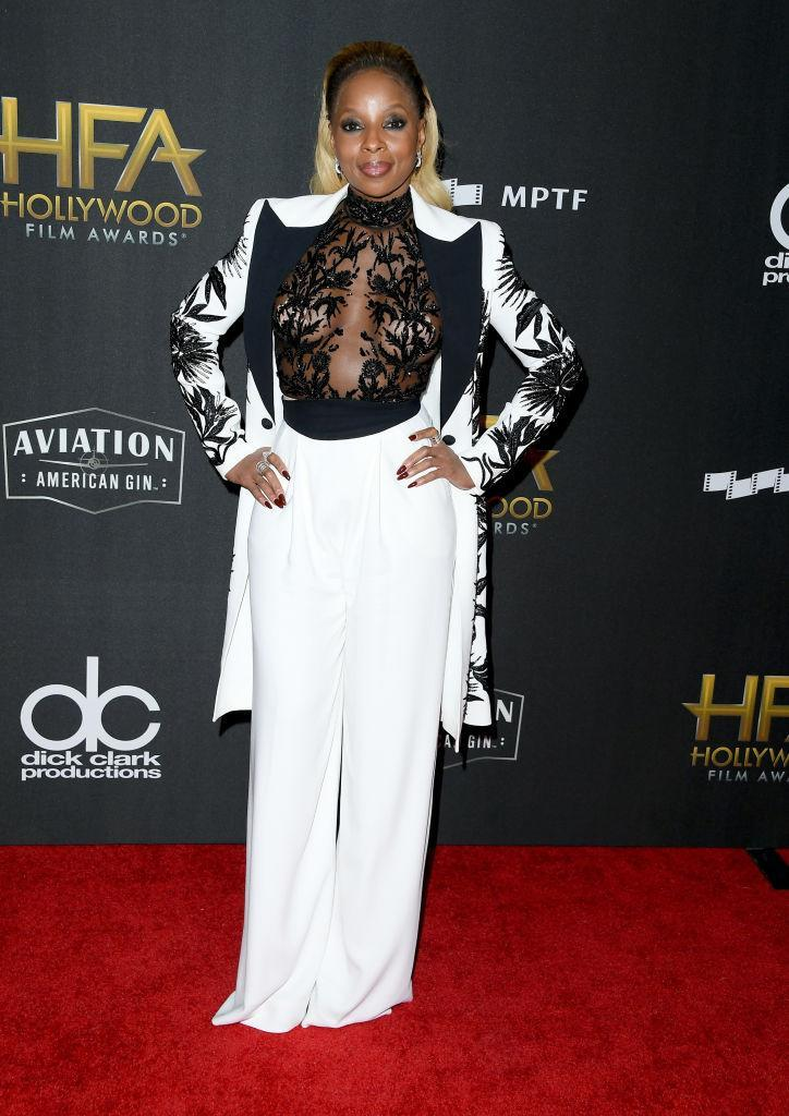 <p>Blige served up a look in a Zuhair Murad ensemble, before receiving an award for Hollywood Breakout Performance Actress Award. (Photo: Getty Images) </p>