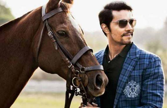 <p>He has worked his magic in movies like <em>Sarbji</em>t, <em>Sultan,</em> etc. But way before the silver screen accepted him, Randeep worked in a Chinese restaurant in Australia where he earned $8 per hour and $1.3 for every delivery he made.He also earned $40 by washing cars with which he used to buy a can of beer. </p>