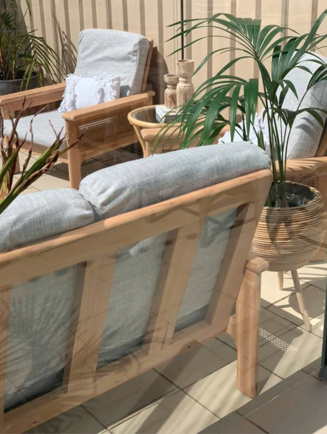back of outdoor furniture from Bunnings