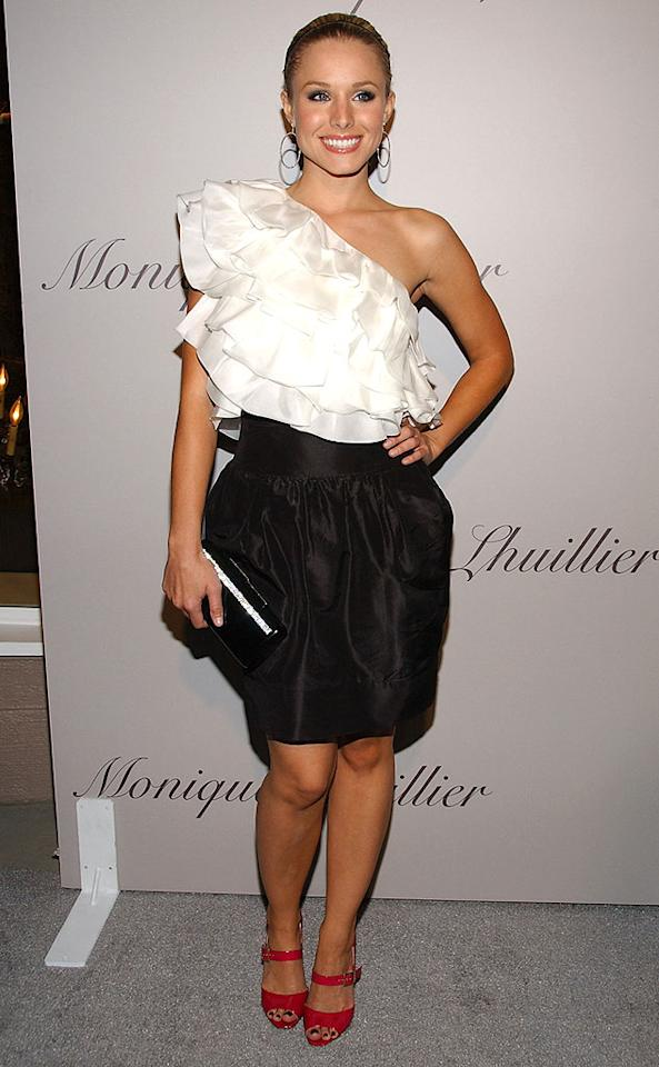 """Between """"Heroes"""" and """"Gossip Girl,"""" where does Kristen Bell find the time to stay looking so beautiful? Jean-Paul Aussenard/<a href=""""http://www.wireimage.com"""" target=""""new"""">WireImage.com</a> - October 10, 2007"""