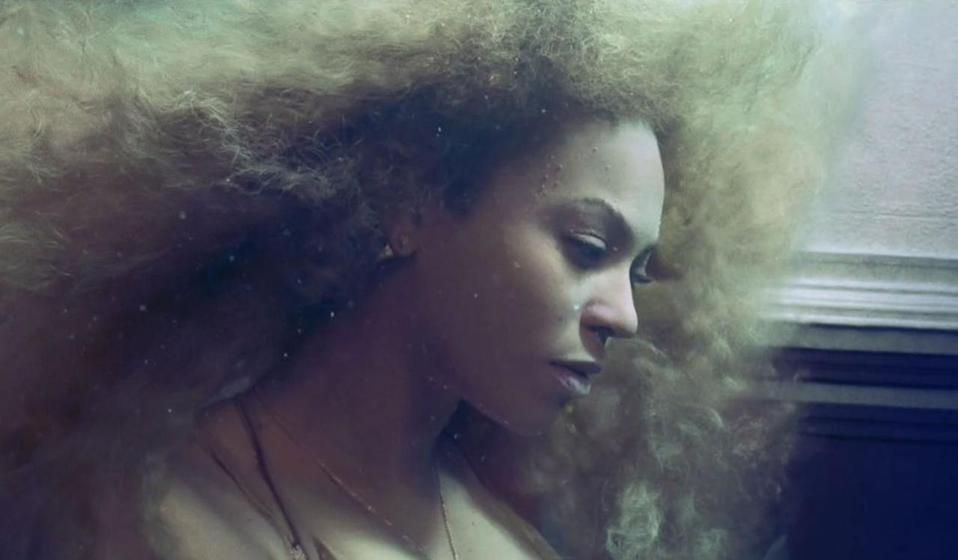 <p>Only Beyoncé can nearly drown (well, movie drown) and still look like a mermaid.<br></p>