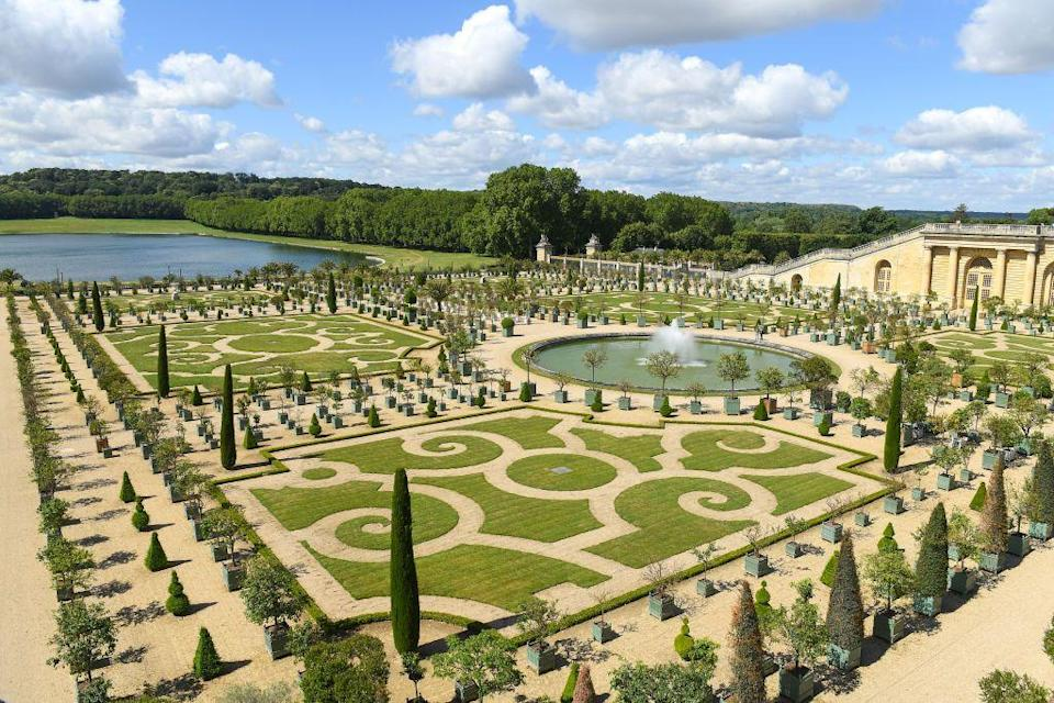 "<p>King Louis XIV of France commissioned famous French landscape designer André Le Nôtre to renovate the <a href=""http://en.chateauversailles.fr/discover/estate/gardens"" rel=""nofollow noopener"" target=""_blank"" data-ylk=""slk:gardens of Versailles"" class=""link rapid-noclick-resp"">gardens of Versailles </a>to match the grand halls and rooms of the palace in 1661. Stepping up to the challenge, the gardener expanded the grounds to span nearly 2,000 acres brimming with fragrant flower beds, storied fountains and sculptures, an orangery and the Grand Canal, which King Louis used for gondola rides.</p>"
