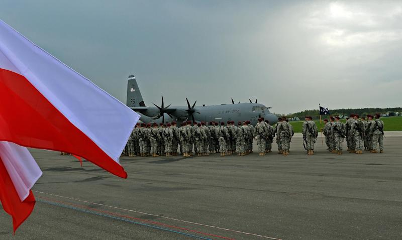 The first US troops arrive at the airport in Swidwin, Poland on April 23, 2014