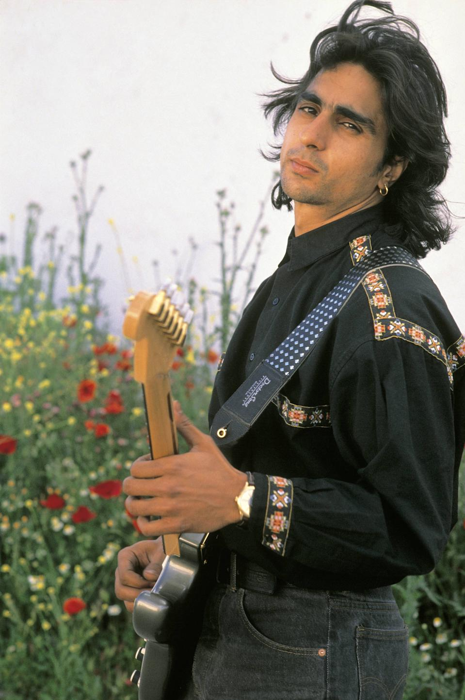 Antonio Flores, singer With an electric guitar  (Photo by Pepe Franco/Cover/Getty Images)