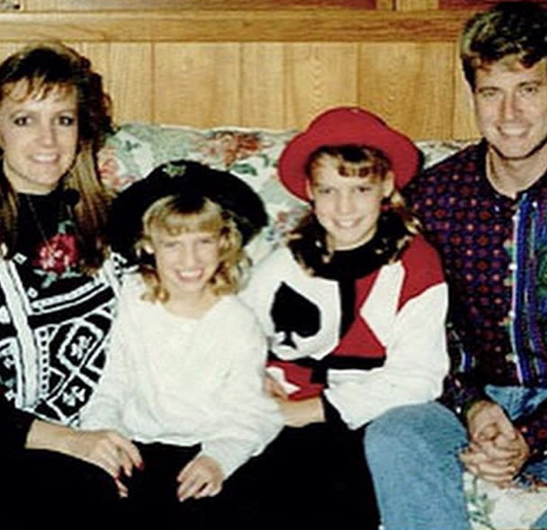 """<p>Singer and designer Jessica Simpson, in a family photo with her younger sister, Ashlee, and their parents, Tina and Joe: """"#TBT When my Mom looked like Britney Spears and my Dad looked like Troy Aikman - this picture makes me :)"""" -<a href=""""http://instagram.com/p/ydaiu7kVur/?modal=true"""" rel=""""nofollow noopener"""" target=""""_blank"""" data-ylk=""""slk:@jessicasimpson"""" class=""""link rapid-noclick-resp"""">@jessicasimpson</a> (Instagram)</p>"""