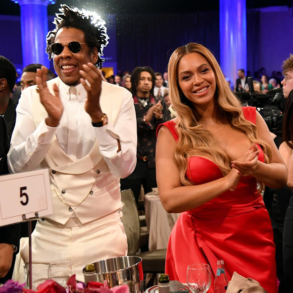 BEVERLY HILLS, CALIFORNIA - JANUARY 25: (EDITORS NOTE: Retransmission with alternate crop.) (L-R) Jay-Z and Beyoncé attend the Pre-GRAMMY Gala and GRAMMY Salute to Industry Icons Honoring Sean