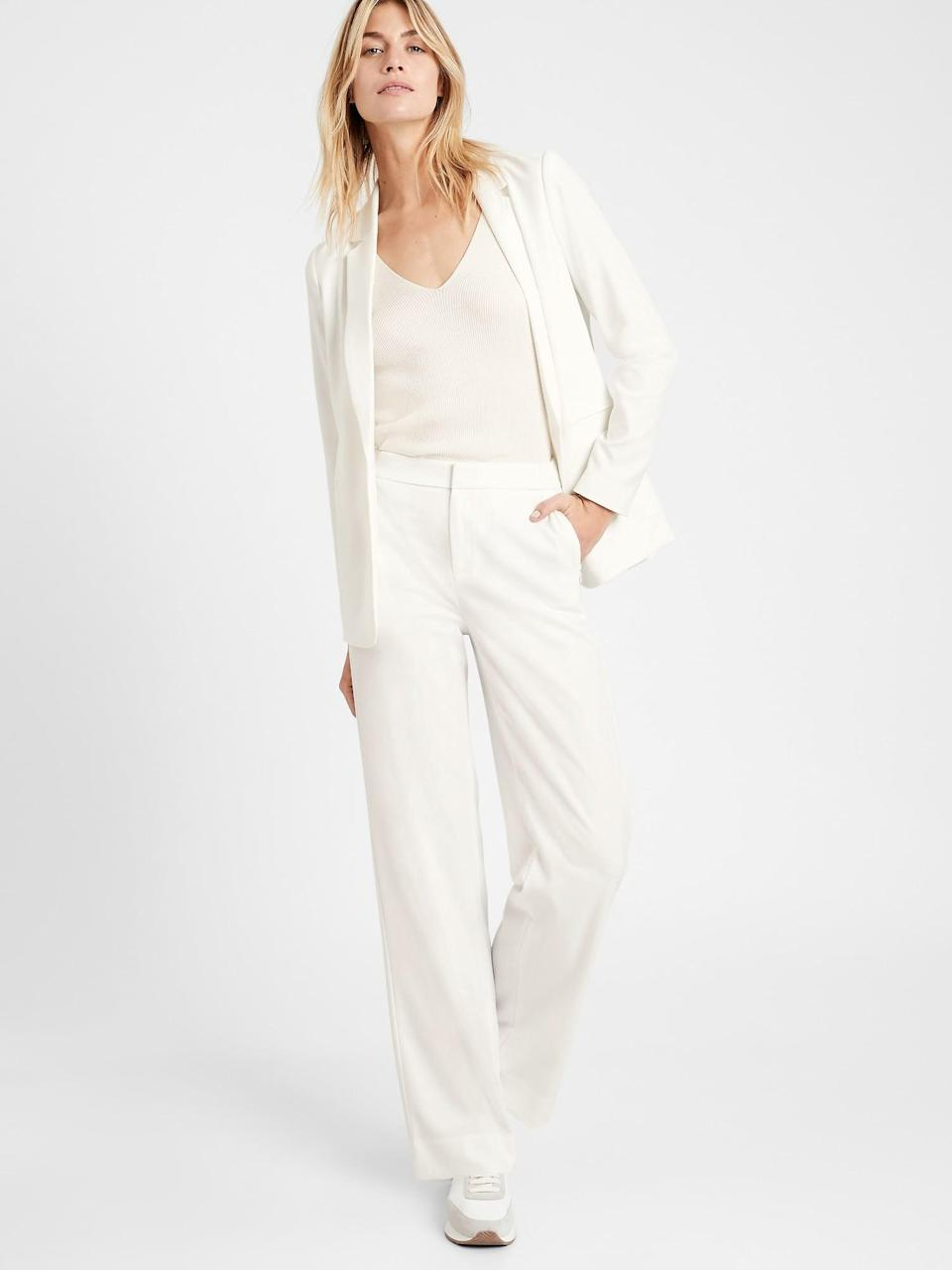<p>It is so hard to find good white pants. These <span>Banana Republic High-Rise Wide-Leg Pant</span> ($110) are great as they are thick enough to not be see through! </p>