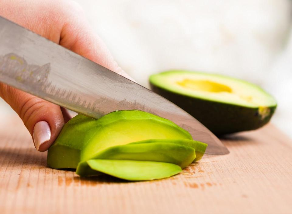 Slicing avocado
