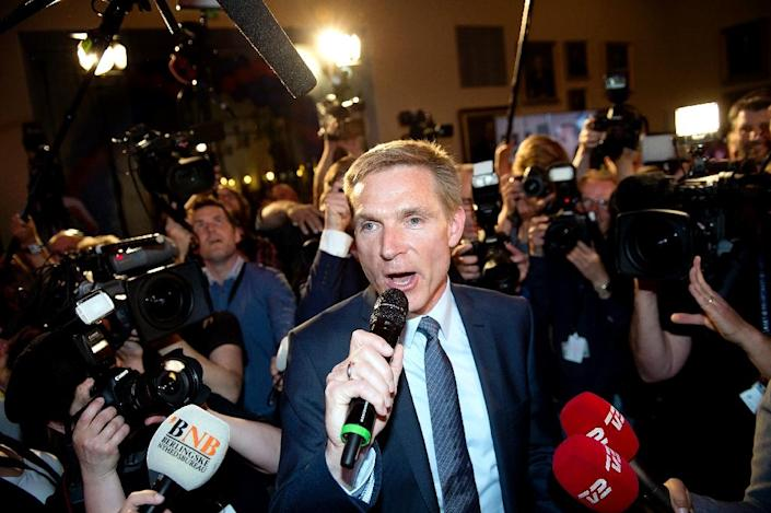 Danish People's Party leader Kristian Thulesen Dahl talks to supporters after the anti-immigration group secured 21.1 percent of the votes in the general election, on June 18, 2015 (AFP Photo/Keld Navntoft)