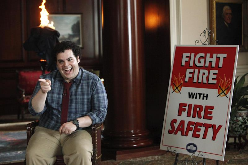"""This undated publicity photo released by NBC shows Josh Gad as Skip in a scene from """"Putting Out Fires"""" in NBC's new show, """"1600 Penn."""" The comedy set in the White House stars Josh Gad, Bill Pullman and Jenna Elfman. It airs 9:30 p.m. EST Thursday on NBC. (AP Photo/NBC, Jordin Althaus)"""