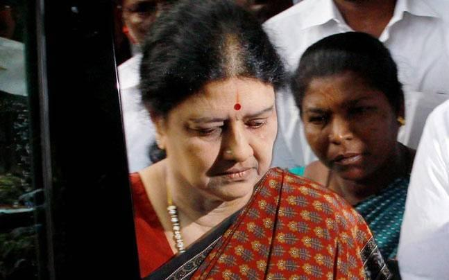 In just 3 hours, Sasikala thrown out of AIADMK in a coup, panel to work on OPS-EPS factions merger