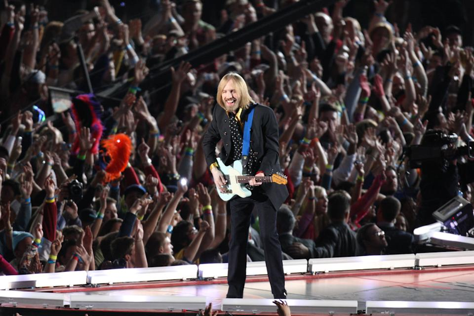 Tom Petty & The Heartbreakers perform during the Bridgestone Super Bowl XLII Halftime Show. New England Patriots face the New York Giants in Super Bowl XLII at University of Phoenix Stadium in Glendale, AZ on Feb, 3, 2008. (Photo by Stan Grossfeld/The Boston Globe via Getty Images)