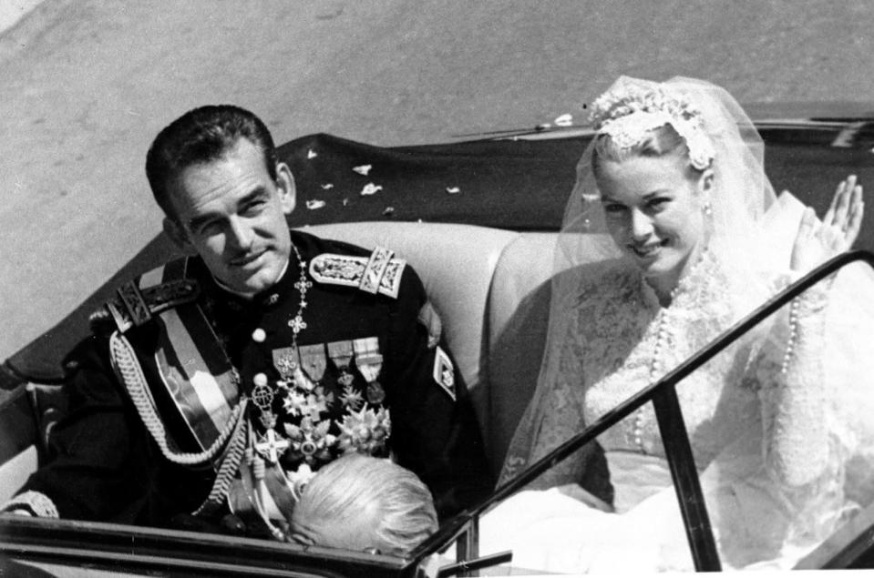 <p><b>American actress Grace Kelly became a princess when she married Prince Rainier III in the Monaco Cathedral, South of France. (Photo: AP) </b></p>