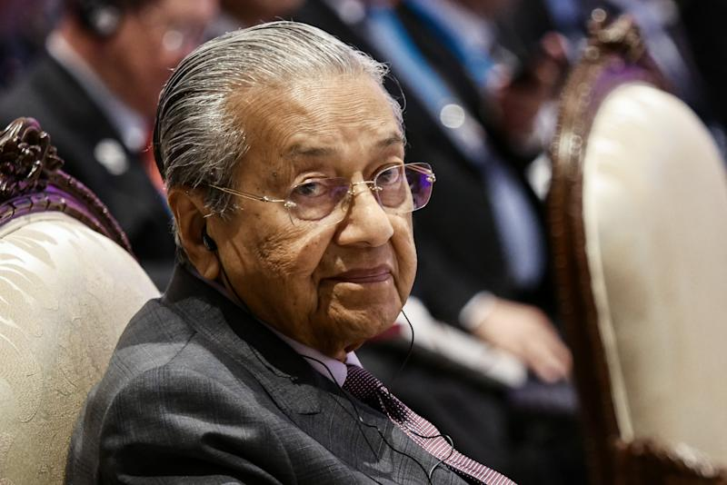 NONTHABURI, THAILAND - NOVEMBER 3: Malaysian Prime Minister Mahathir Mohamad attends the 16th ASEAN - India Summit at IMPACT Muang Thong Thani in Nonthaburi, Thailand on November 3, 2019. (Photo by Anton Raharjo/Anadolu Agency via Getty Images)