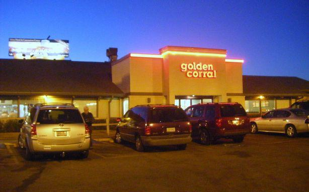 Eeew.... Here's Why You'll Never Eat a Hamburger at Golden Corral Again