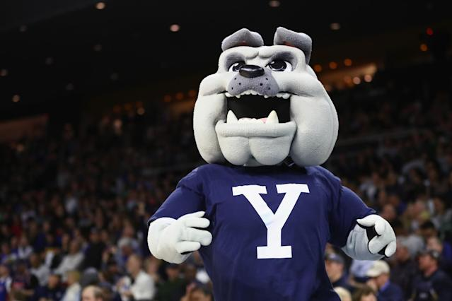 Yale has commemorated past program covers on 2016's football programs. (Getty)