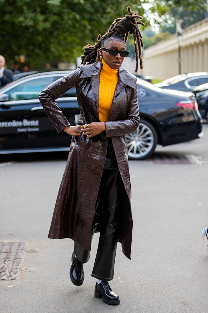 <p>These vibrant turtleneck details are giving me life.</p>