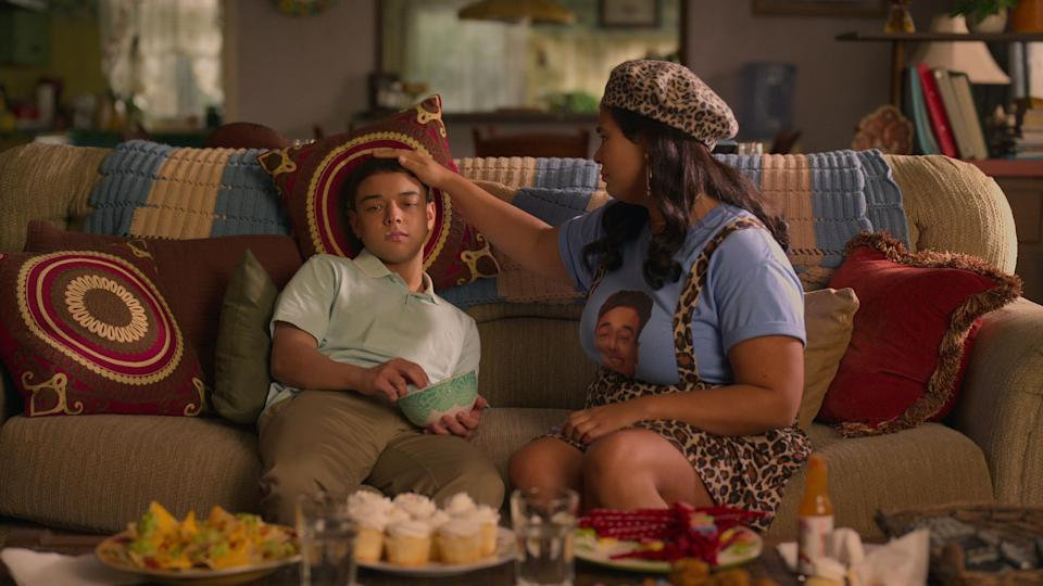 ON MY BLOCK (L to R) JASON GENAO as RUBY MARTINEZ and JESSICA MARIE GARCIA as JASMINE in episode 402 of ON MY BLOCK Cr. COURTESY OF NETFLIX © 2021