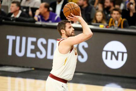 Kevin Love Has Broken Bone In Left Hand, According To Report