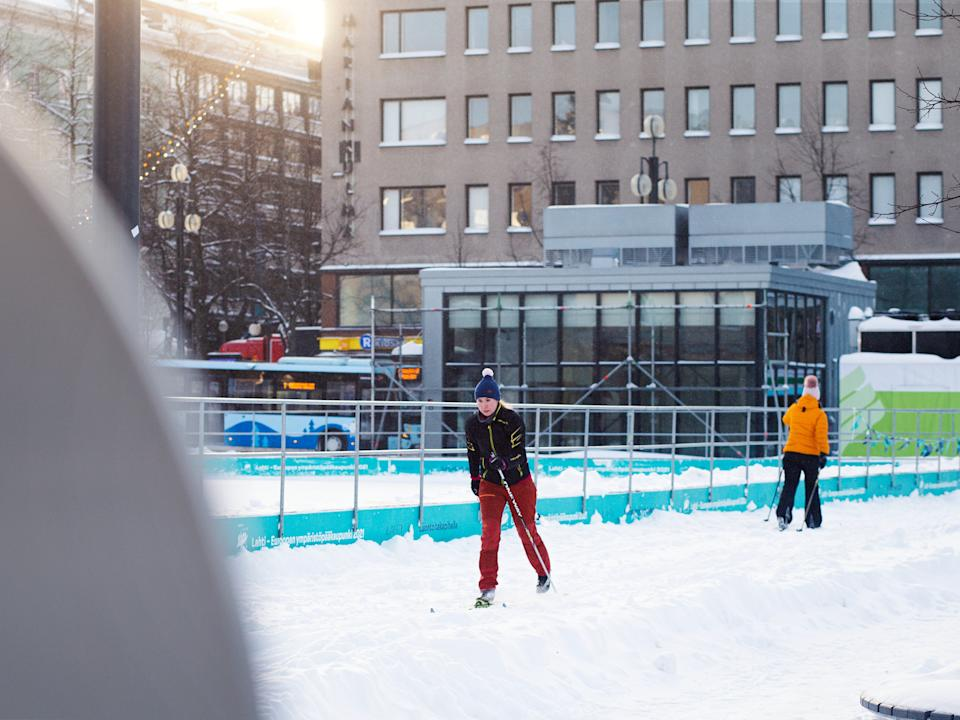 Lahti is encouraging locals to get around on skis (City Skis)