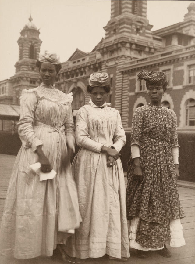 <p>Three women from Guadeloupe. (Photograph by Augustus Sherman/New York Public Library) </p>