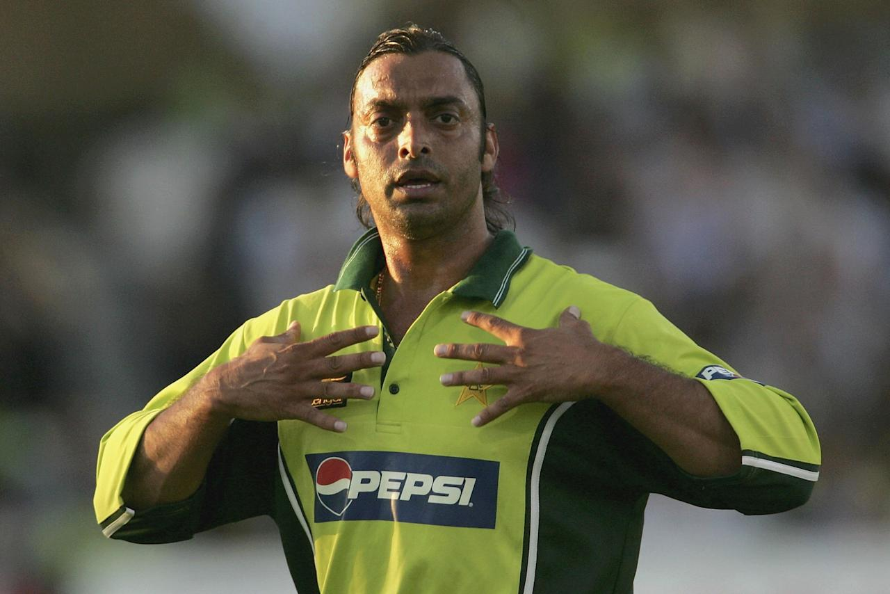 NOTTINGHAM, UNITED KINGDOM - SEPTEMBER 08: Shoaib Akhtar of Pakistan gestures during the 4th NatWest Series One Day International match between England and Pakistan at Trent Bridge on September 8, 2006 in Nottingham, England.  (Photo by Clive Rose/Getty Images)