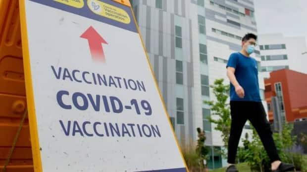 Premier François Legault announced the mandatory vaccination policy in early September, saying anyone not adequately vaccinated by Oct. 15 will be suspended without pay. (Graham Hughes/The Canadian Press - image credit)