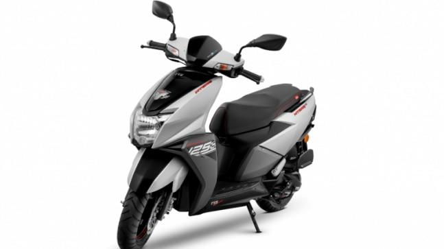 TVS Ntorq 125 is powered by a single-cylinder, 4-stroke, 3-valve, air-cooled, OHC, 124.79 cc engine that delivers 9.4 PS and 10.5 Nm of peak torque. It is offered with a CVTi transmission.