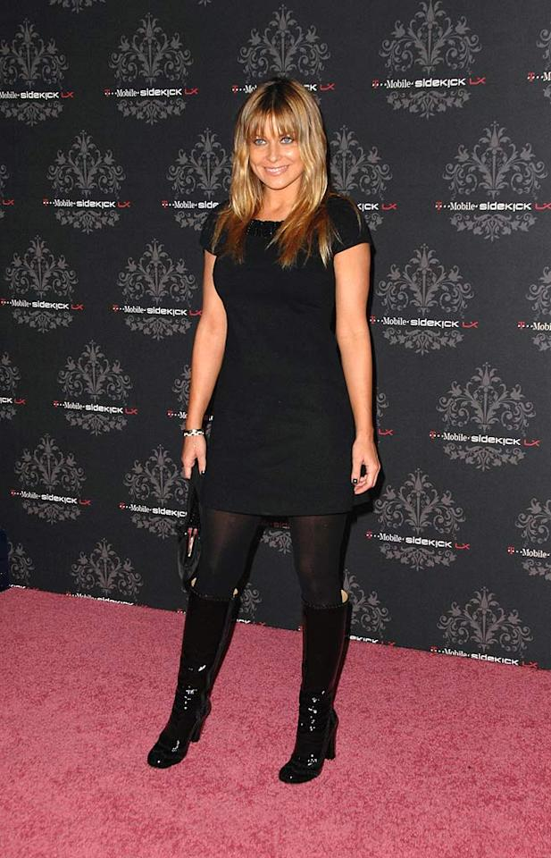 """Former """"Baywatch"""" babe Carmen Electra debuts a new 'do on the red carpet at the T-Mobile Sidekick LX Launch Party. Scott Kirkland/<a href=""""http://www.infdaily.com"""" target=""""new"""">INFDaily.com</a> - October 16, 2007"""