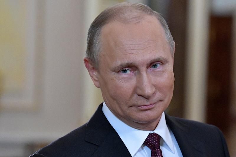 Putin Says US Political System is Eating Itself up