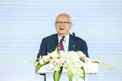 """Renowned economist and CEIBS Honorary Professor Wu Jinglian looked back at his 30-year journey with the school. """"I grew together with CEIBS,"""" he said."""