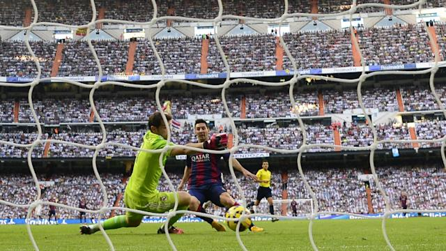 Iker Casillas Lionel Messi Real Madrid Barcelona El Clasico La Liga 10252014