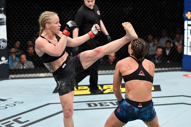 After setting a pattern of left body kicks, Valentina Shevchenko broke that pattern just as challenger Jessica Eye had begun to adjust to it and went high to the head with her final kick of the night. (Getty Images)